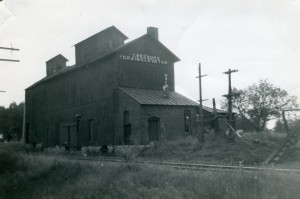 This photo provided by Doug Smith was taken in the 1950s of the original Leesburg grain elevator. (Photo provided)