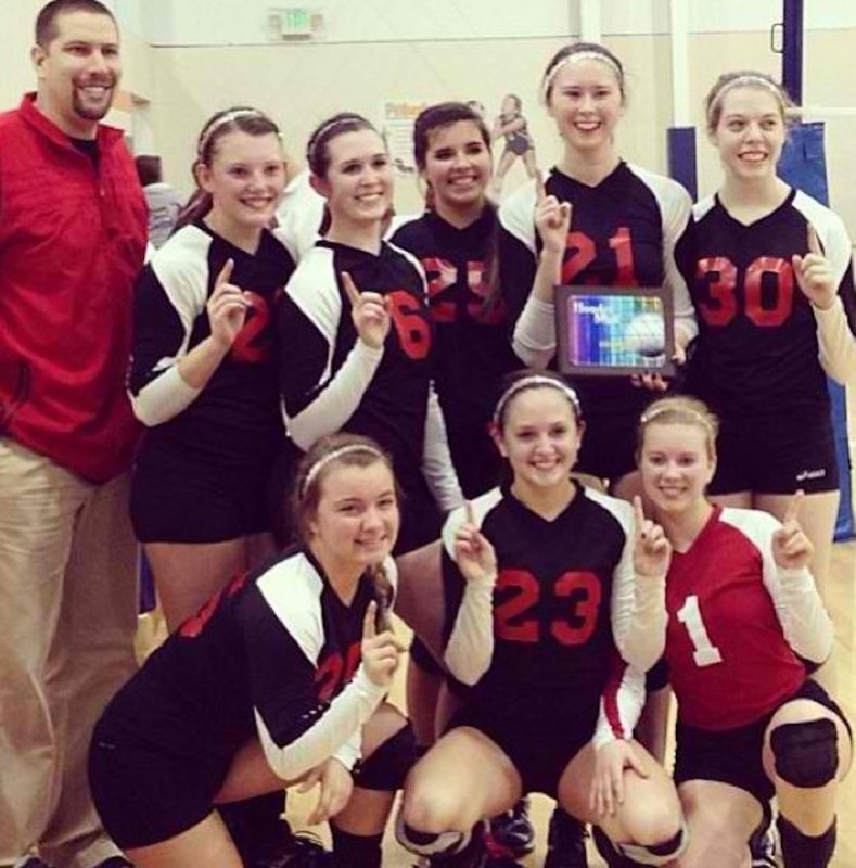 The 17 Onyx team from the Outland Volleyball Club in Warsaw won a tourney title this past weekend (Photo provided)