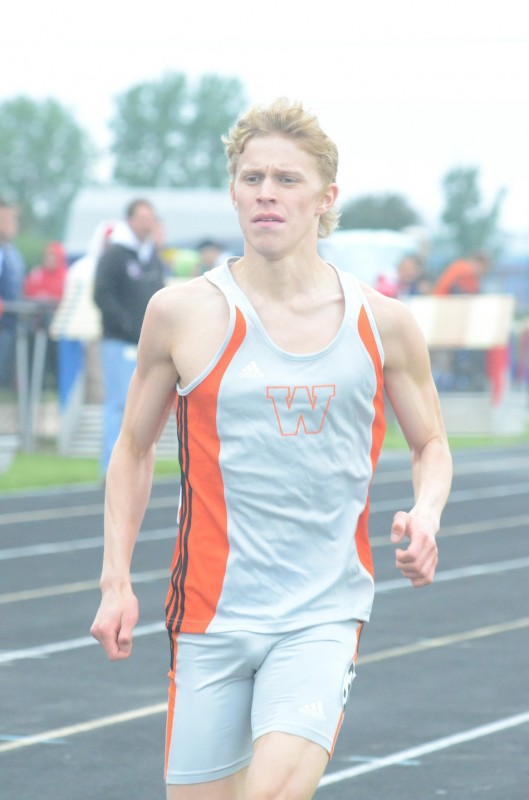 Jake Poyner won regional titles in both the 1,600 and the 3,200 for Warsaw Thursday night (Photo by Scott Davidson)