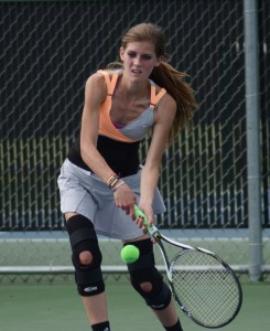 Warsaw senior Lindsay Sciarra gave her team a lift with an impressive win at No. 3 singles Wednesday.