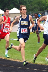 Robert Murphy of Warsaw took third place in the 800 Saturday.