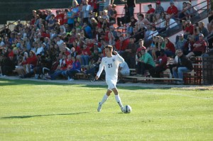Danilo Carnelos dribbles for Grace College Wednesday versus Indiana Wesleyan (Photo by Hannah Clemmons)