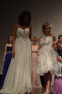 Shana Patel, 2013 Miss Kosciusko and 2014 Miss IPFW is shown with Kaitlyn Bergman, little Miss Kosciusko County 2014