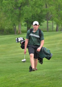 Wawasee's Jeffrey Moore approaches a green.