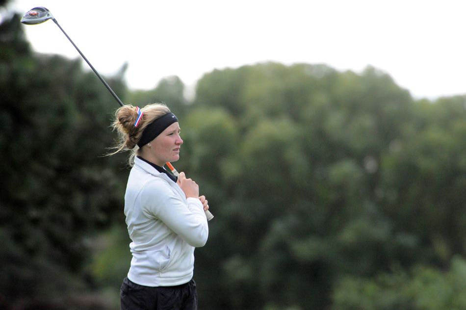 Plymouth's Randi Dunn will take a swing at a state berth after qualifying for the regional as an individual.
