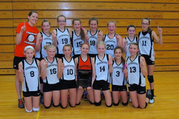The Edgewood Middle School 7th grade volleyball team went undefeated this season (Photo provided by James Schmidt)