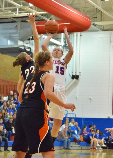 Aly Reiff goes up for two in the first half.