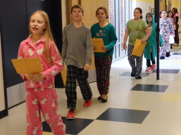 Jefferson Elementary students bring in donations.