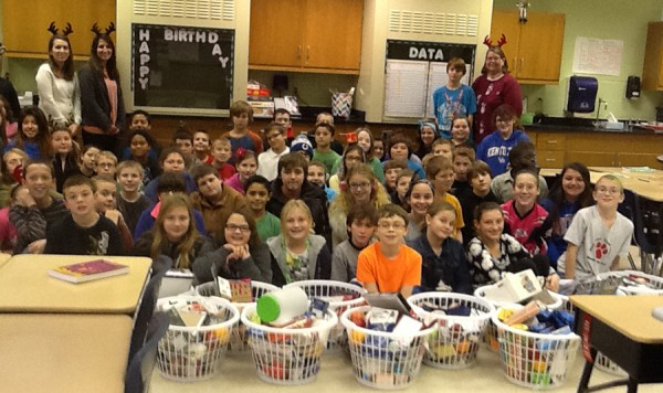 Pierceton Elementary fifth graders and their teachers with filled baskets.