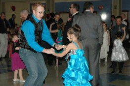 Warsaw-Daddy-Daughter-Dance-2015-Mikilah-Wiggs-and-Curtis-Grady3