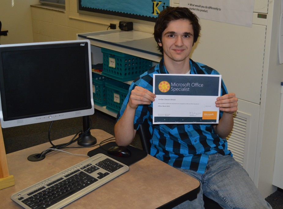 Whs Student Earns First Microsoft Certification Inkfreenews