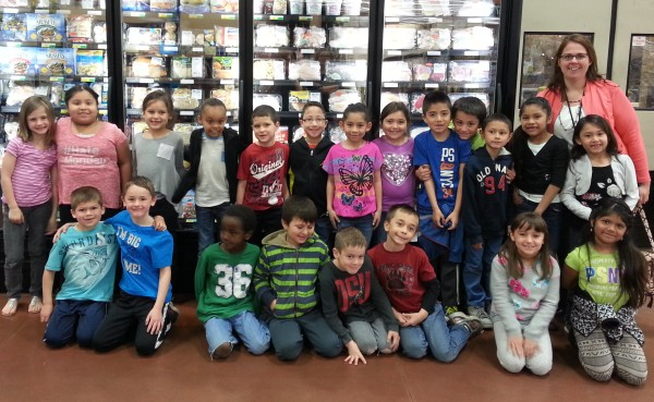 Students in Mrs. Hagg's first grade class visit Martins. Photos by Alyssa Richardson