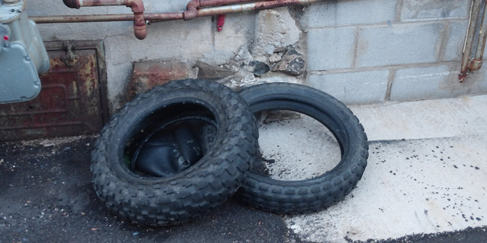 tires-in-alleys