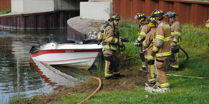 Boat Fire Syracuse Lake 2015