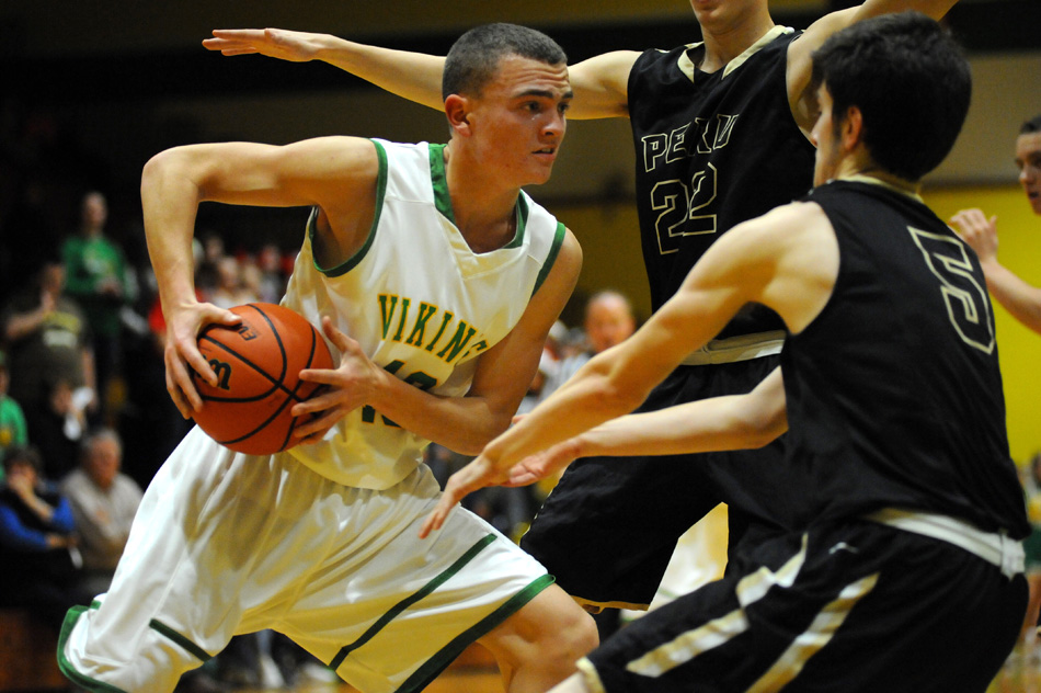 Jarod Duzenbery of Tippecanoe Valley looks for room to work against Peru Tuesday night. (Photos by Mike Deak)