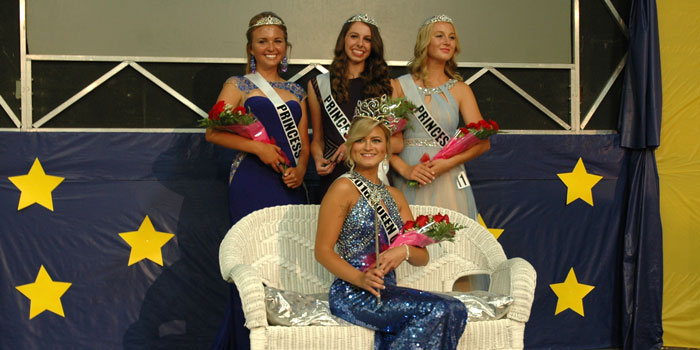 2016 Queen of Lakes, Kierstin Bailey, and three runners-up behind her (left to right), Hannah Parker, Ashley Sayler and Audie Parsons.