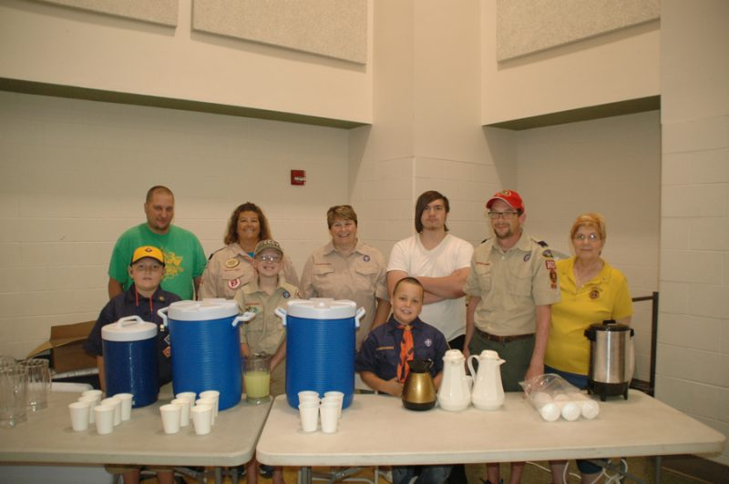 Helping out at the Syracuse Lions Fish Fry and Silent Auction were, from left, front, Nolan Dailey, Alan Warren, Gavin Cleveland, Christopher Warren, Judy Jarrett. Back row, from left: Travis Dailey, Shawna Van Lue, Randi Warren, Greyston Grumme.