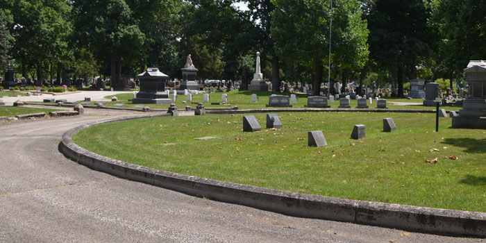 A traffic circle inside Oakwood Cemetery was the scene of an unusual accident this week. (Photo by Amanda McFarland)