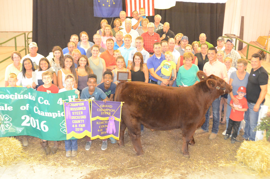 Community support alive at 4 h auction inkfreenews the grand champion beef steer sold by gavin smith warsaw brought 12825 thecheapjerseys Image collections