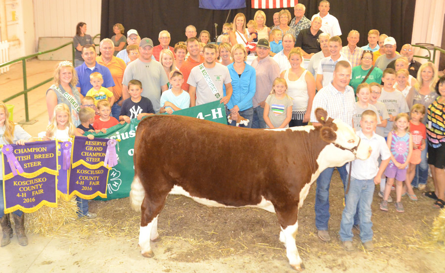Community support alive at 4 h auction inkfreenews the reserve grand champion beef steer sold by andon zehring leesburg brought 20000 altavistaventures Images