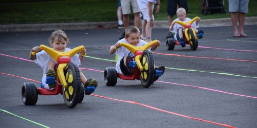 Addison Shepherd takes the lead over Clark Patterson during the Big Wheel Race. (Photos by Maggie Kenworthy)