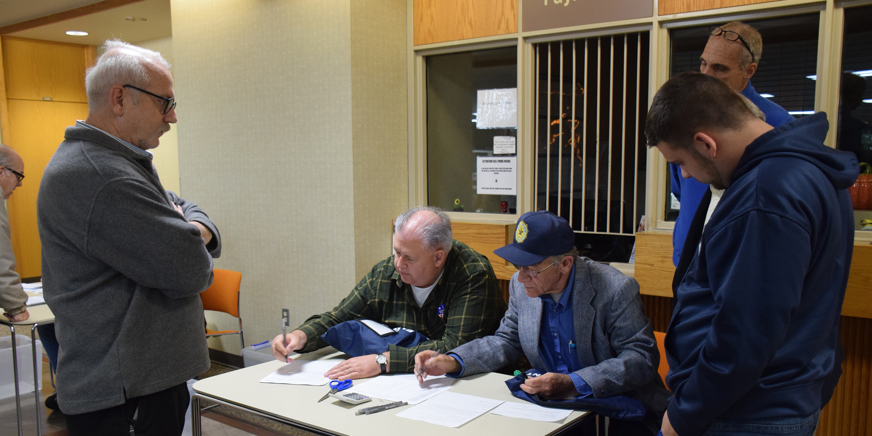 The first ballots were recorded from Warsaw 4-2, the Kosciusko County Annex Building around 6:22 p.m.