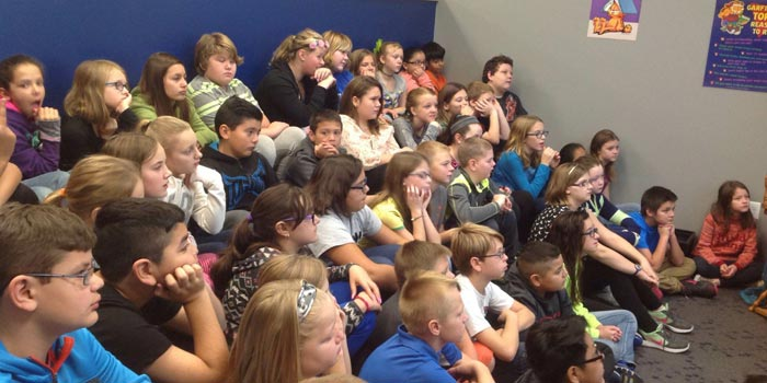 Fifth graders at Leesburg Elementary learn 'sheep to wool'
